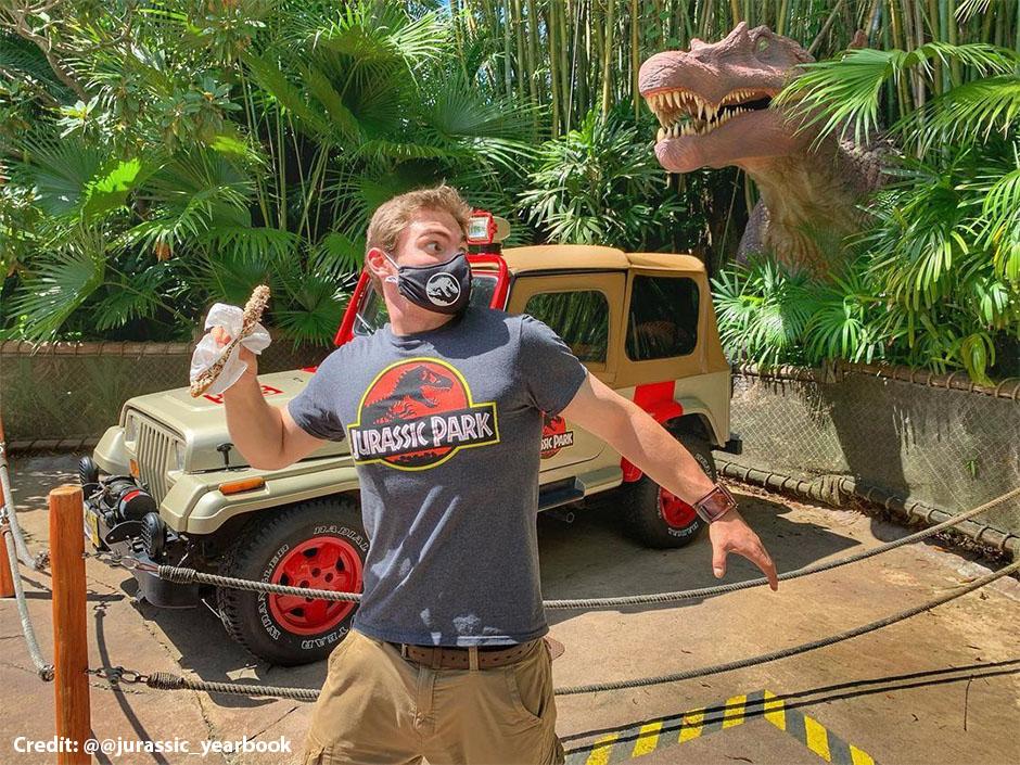 Jurassic Park Logo T-Shirt - @@jurassic_yearbook