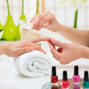 How to Handle Stained Nails