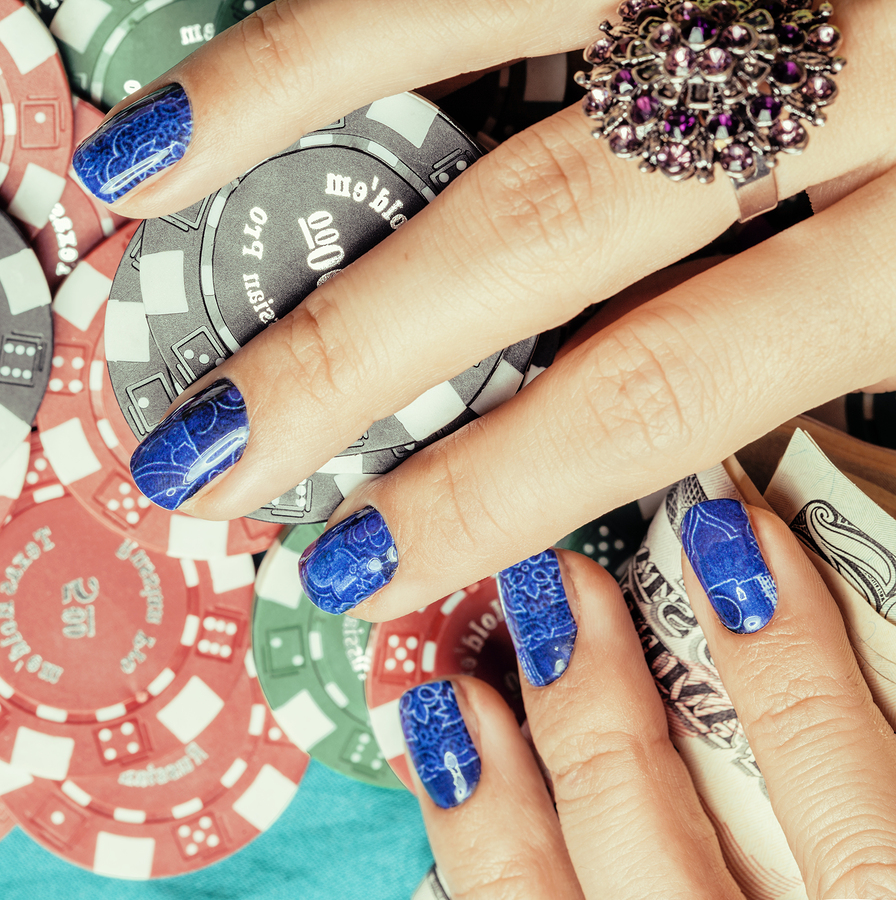 7 Must-Have Nail Polish Colors for Fall 2015