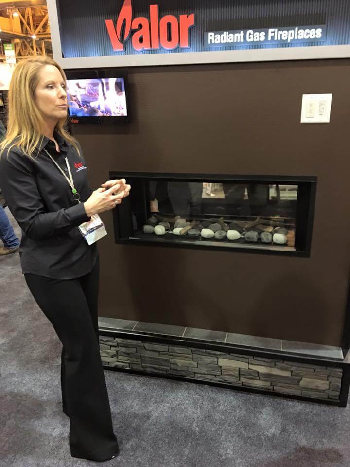 Debbie, our North Western USA Rep, showcasing the L1 2-Sided series with the new Rock and Shale fuel bed.