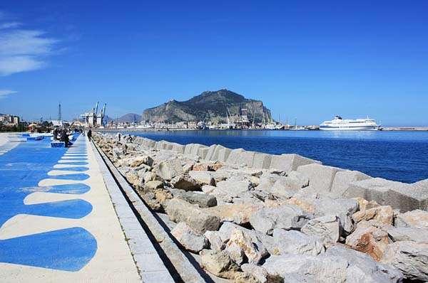Puerto de Palermo, Italia