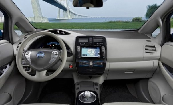 Salpicadero del Nissan LEAF