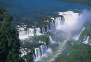 Vista aérea das cataratas de Iguaçu