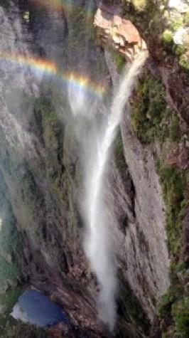 Cachoeira da fumaça com seus mais de 360 metros de queda