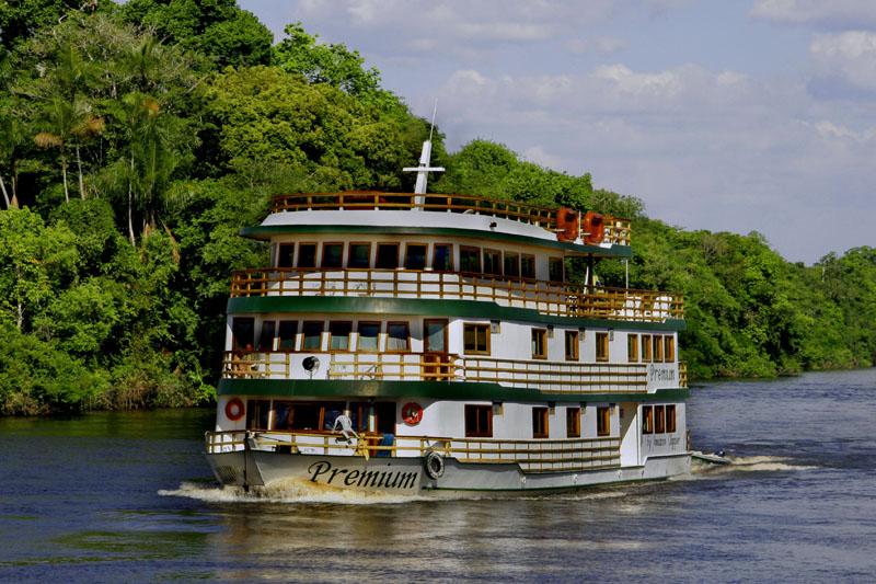 Cruzeiros fluviais na Amazônia