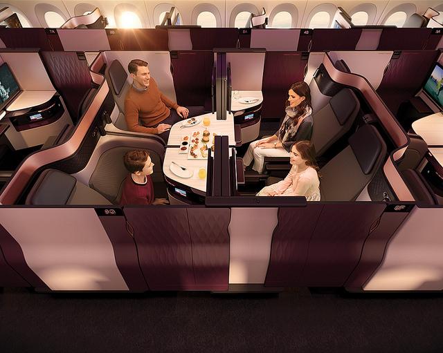 Classe executiva da Qatar, serviço de primeira