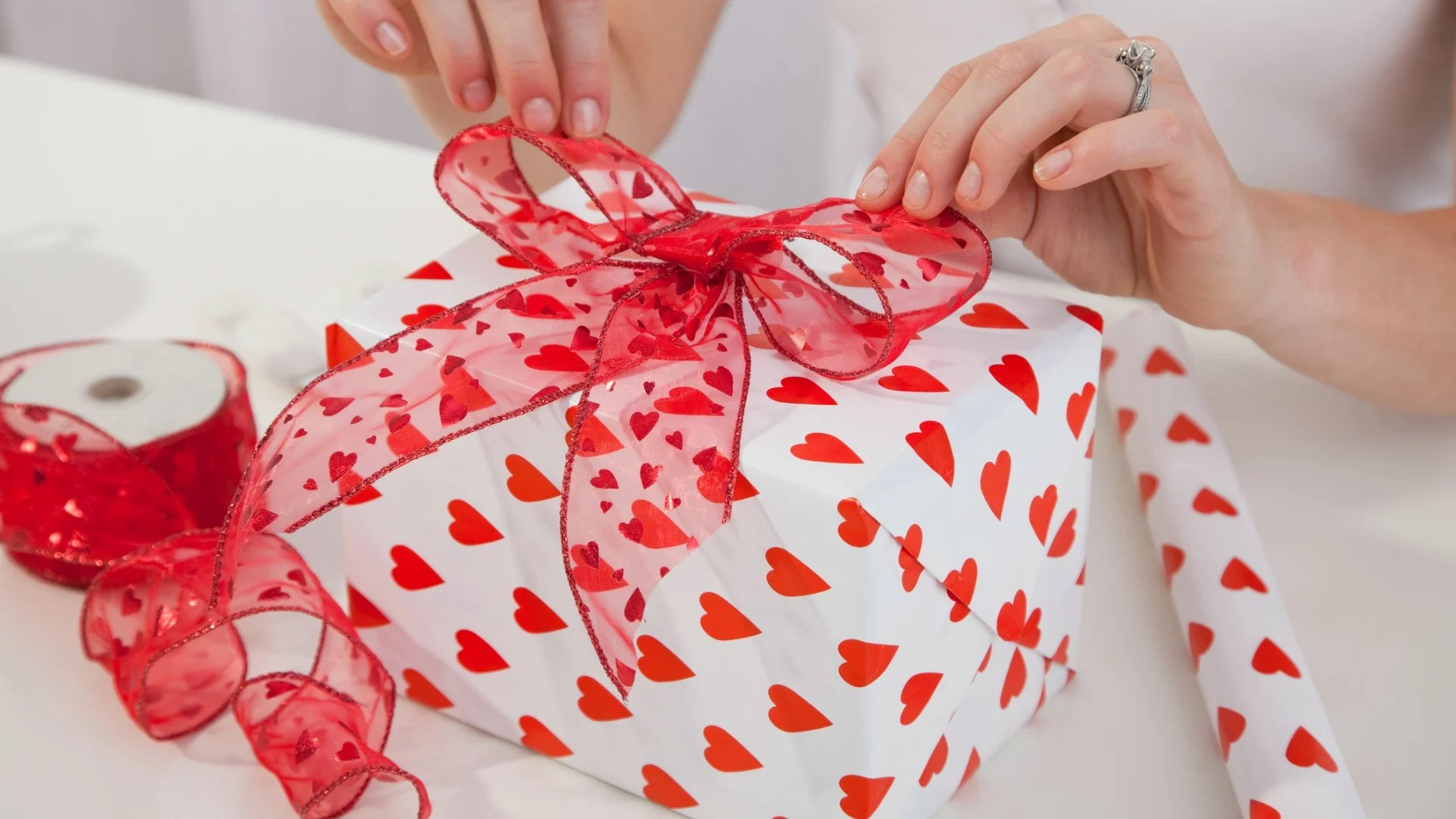 Creative Gifts Ideas For The Groom To Be VenueLook Blog
