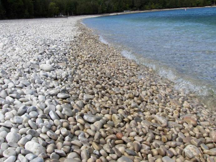 strangest-beaches-venuerific-blog-schoolhouse-beach