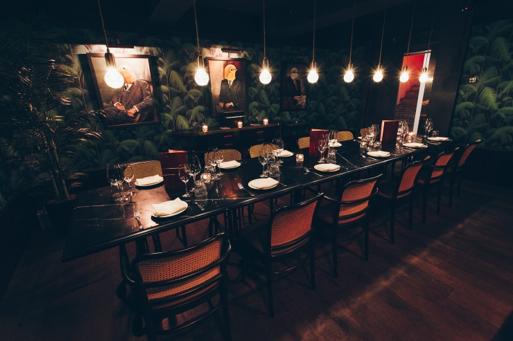 Beautiful Classy Unique Restaurants in Singapore at CBD district to impress clients