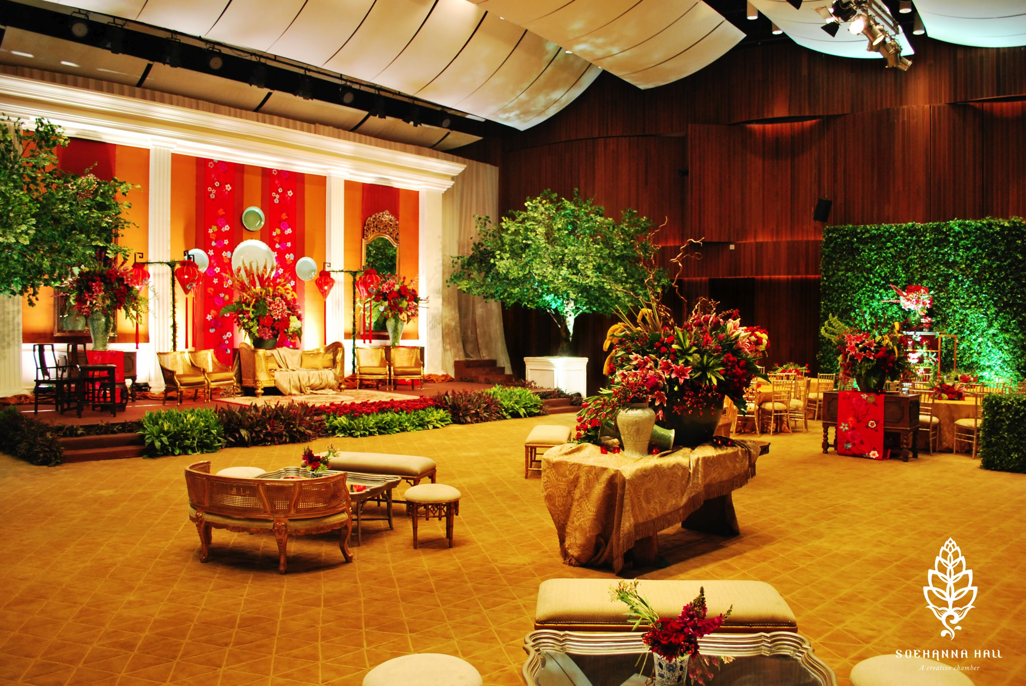 wedding-venue-jakarta-venuerific-blog-soehanna-hall-wedding-stage