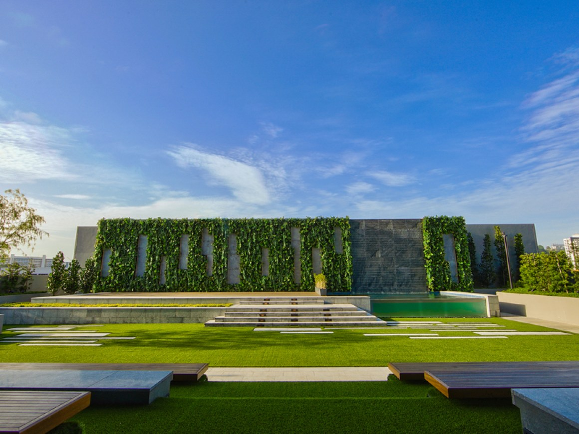 Colonial-industrial-styled-venue-venuerific-blog-gateway-theatre-front-lawn
