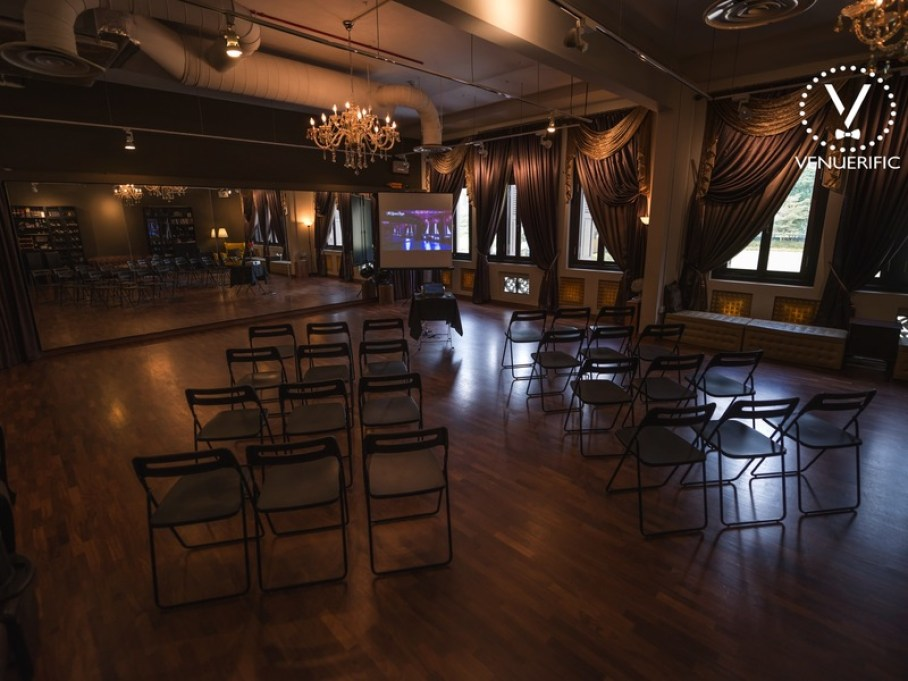 Colonial-industrial-styled-venue-venuerific-blog-the-lumen-room-conference-room