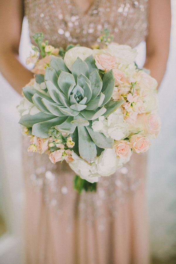 Perfect-wedding-flower-venuerific-blog-the-artsy-hipster-succulent-bouquet