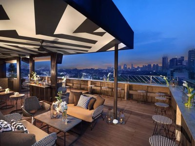 cool rooftop bar in jakarta for bridal shower party