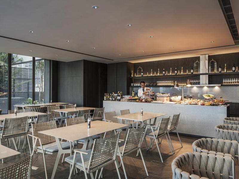 unique-venue-singapore-venuerific-blog-oakwood-executive-lounge-restaurant