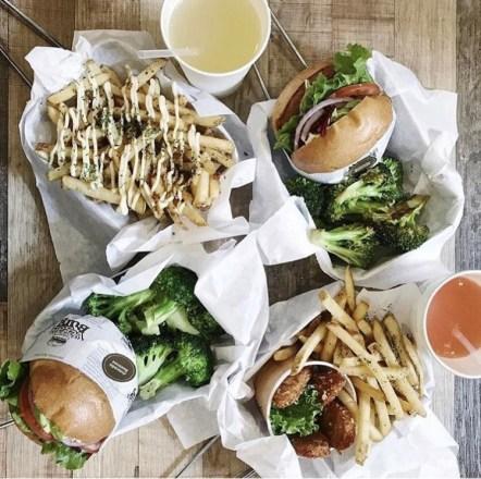 Hotspots-for-vegetarians-venuerific-singapore-veganburg-rasa-sayang-burg