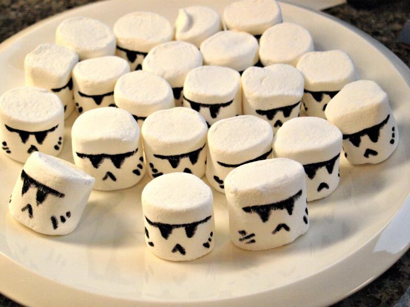 Kids-birthday-venuerific-blog-star-wars-storm-tropper-marshmallow