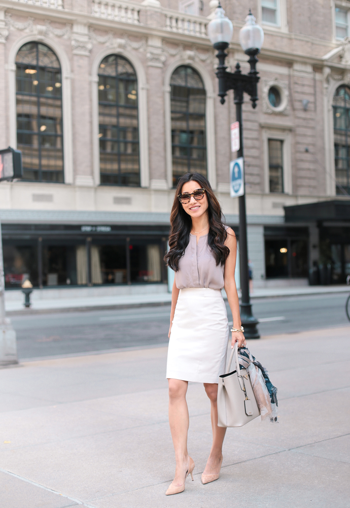 Dress-code-venuerific-blog-business-casual-ladies-mid-length-skirt
