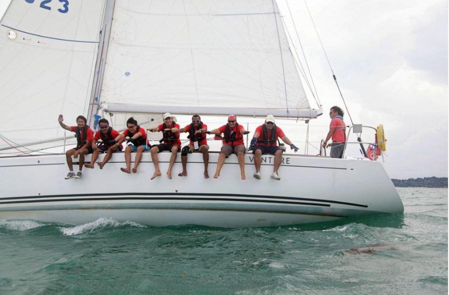 team-bonding-venuerific-blog-singapore-charter-yacht