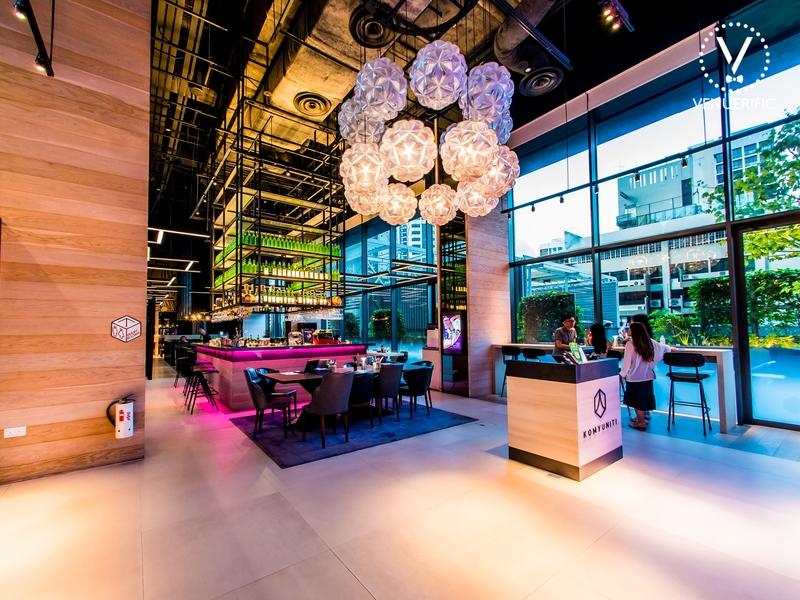 komyuniti bar and restaurant