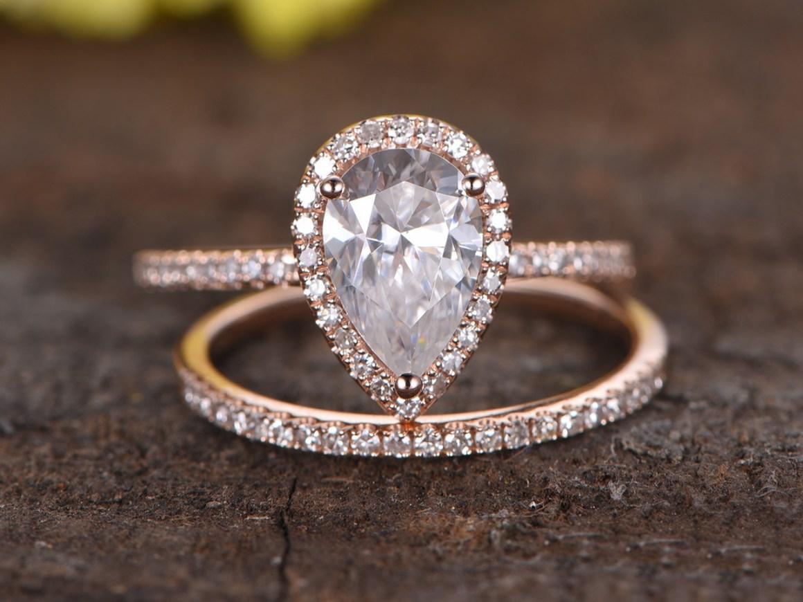 beautiful-drop-ring-proposal