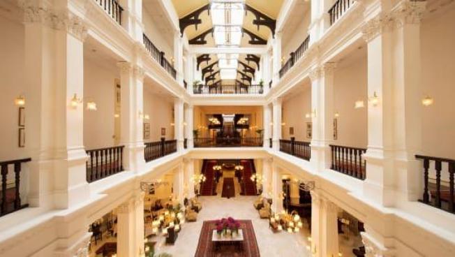raffles-hotel-crazy-rich-asians-singapore-locations-venuerific
