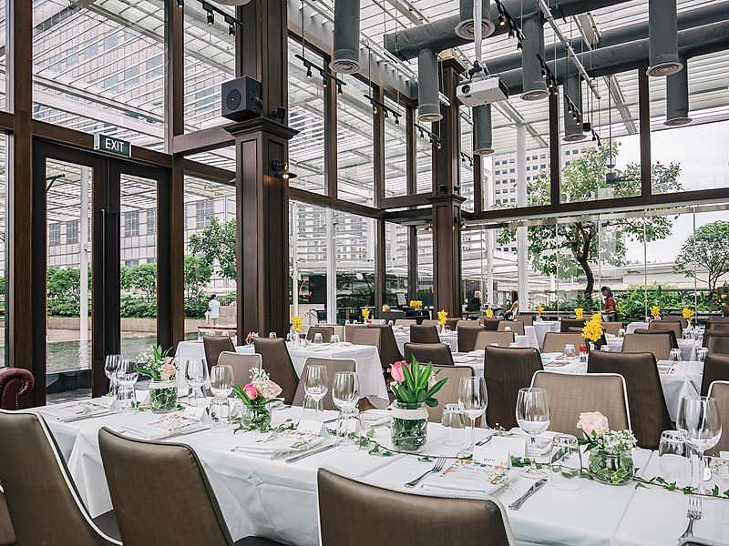 Wide and spacious restaurant with stunning view