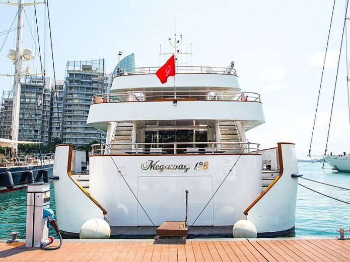 exclusive yacht rent for dinner and dance party Singapore