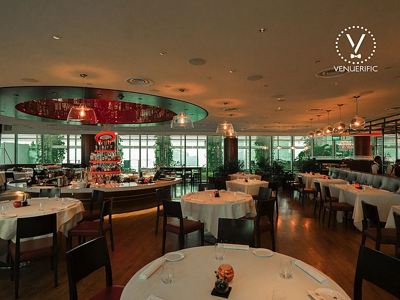 elegant dining italian restaurant in Singapore with view