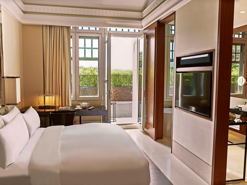 stylish room for staycation the capitol kempinski singapore
