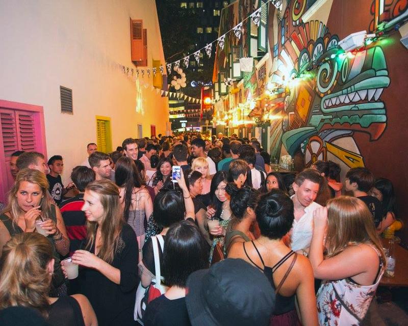 Piedra Negra bar doing haji lane block party