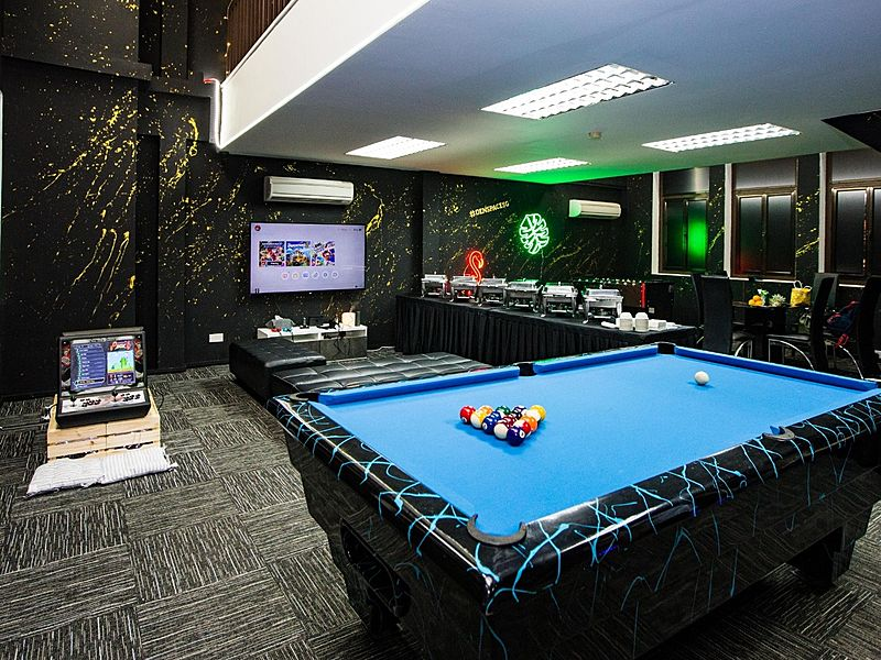 entertainment venue for 21st birthday parties