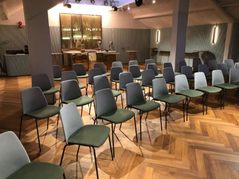 theatre seating style of seminar space