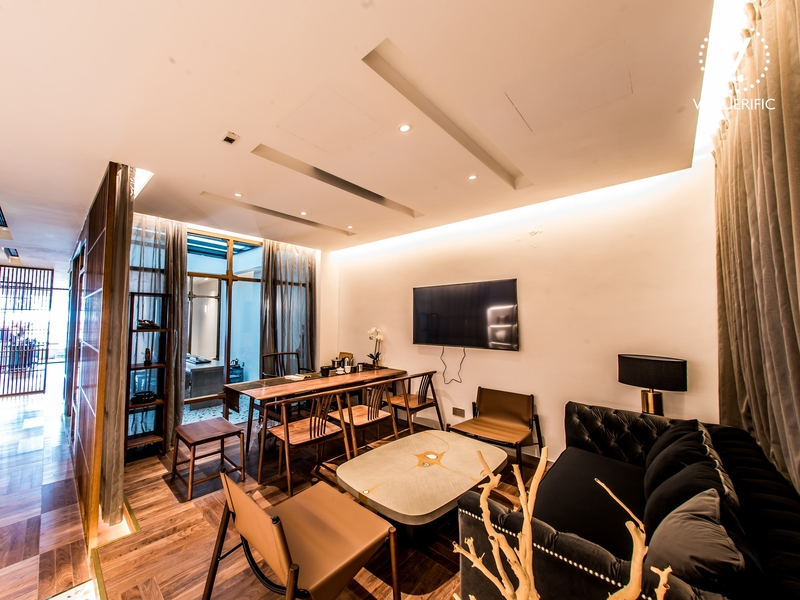 private rooms for cosy business meetings