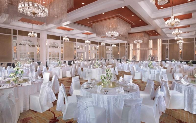 wedding restaurant set up