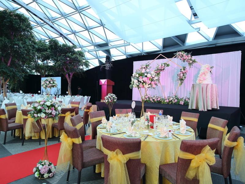 wedding set up at the top floor of jewel