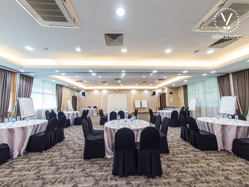 Corporate Event Venue spacious for board meet