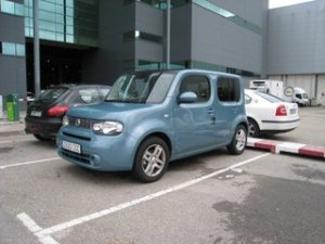 Nissan CUBE azul