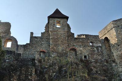 Zřícenina hradu a zámek Klenová