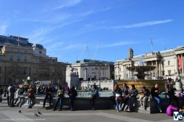 Вид на Лондонскую Национальную галерею, скелет лошади слева