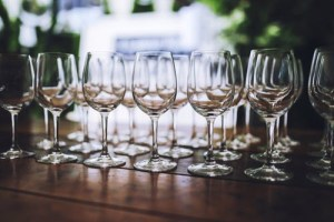 The Best… and Safest… Way to Wash a Wine Glass