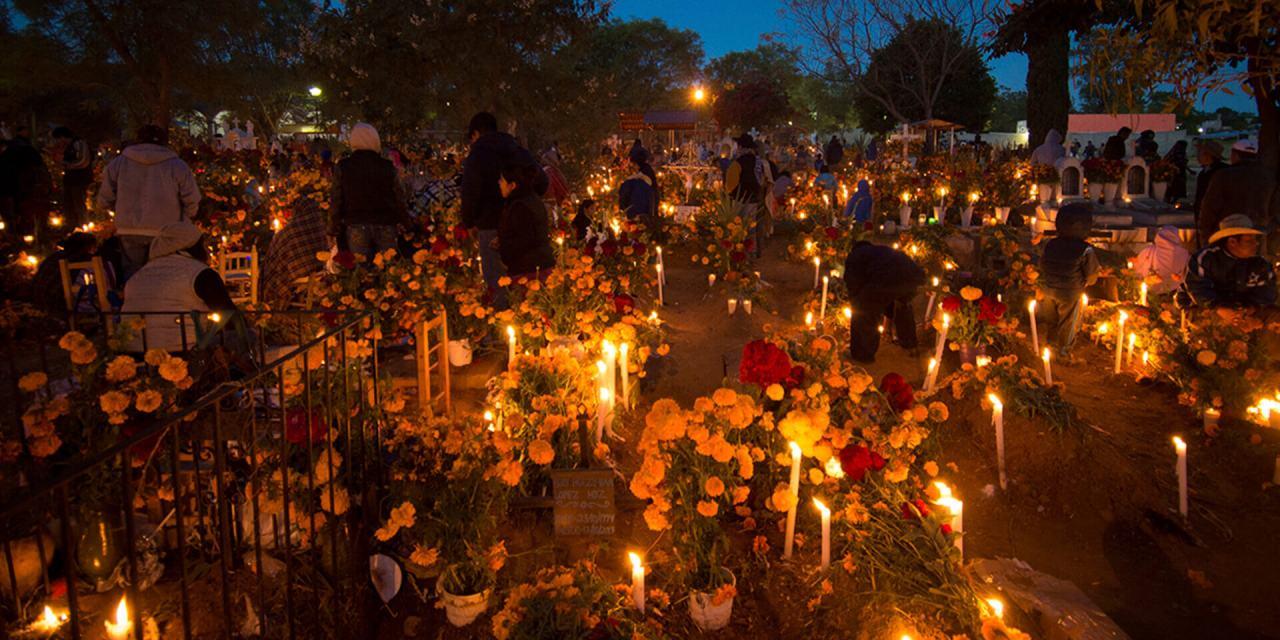 ¿Cómo se celebra el día de muertos en Oaxaca?