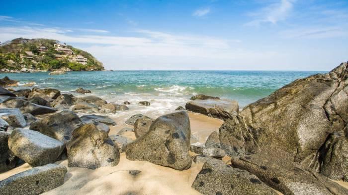 Lugares turísticos en Puerto Vallarta - Playa los Muertos