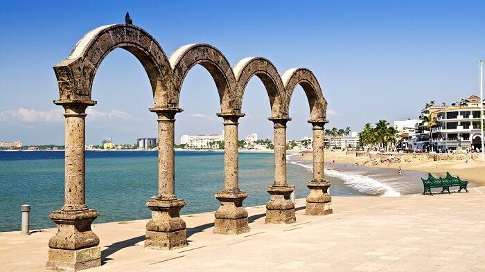 Los Arcos en el Malecón de Puerto Vallarta
