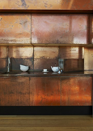 Bronze kitchen - via Standaard