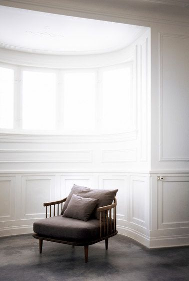 The Fly chair by &Tradition - via Architonic