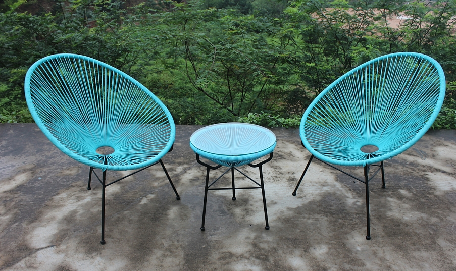 ON TREND: THE ACAPULCO CHAIR