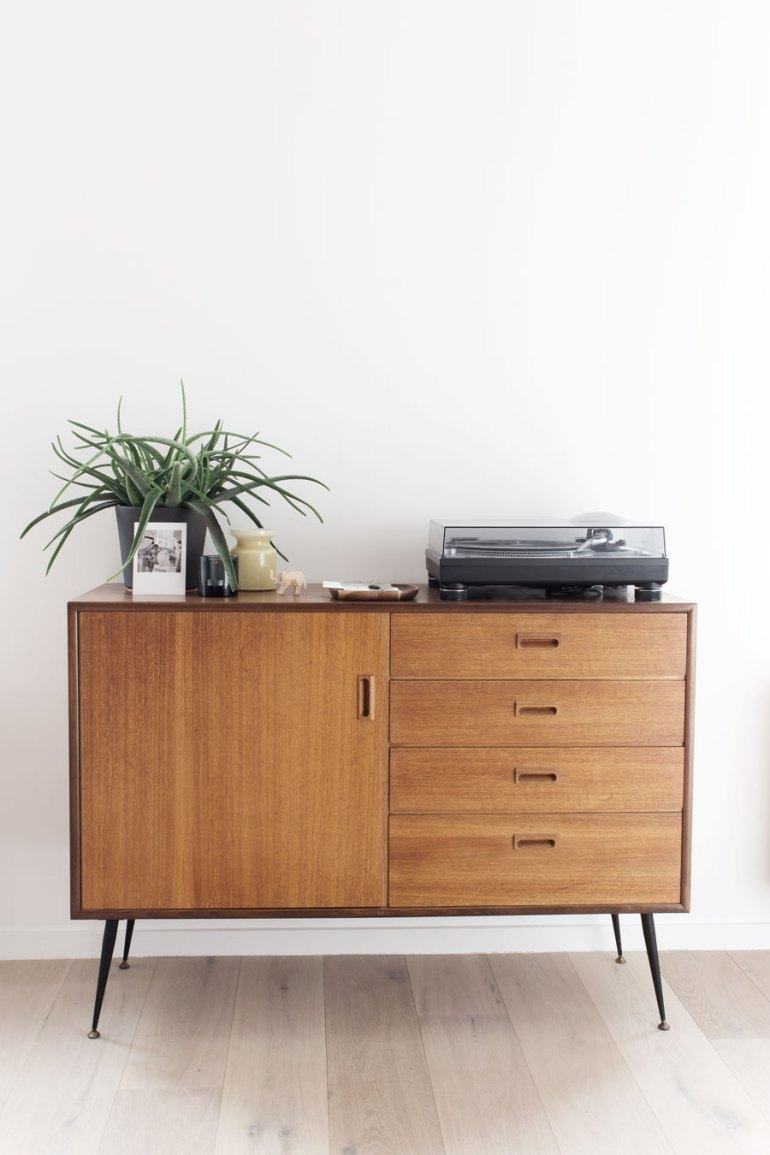 A simple sideboard with a Mid Century vibe - via Coco Lapine