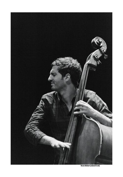 Ruben Samama in het Jef Neve Trio door Bruno Bollaert