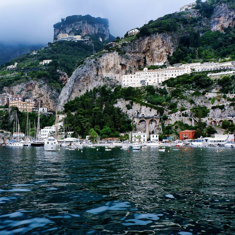 Amalfi min Explorez la côte amalfitaine et faites du bénévolat